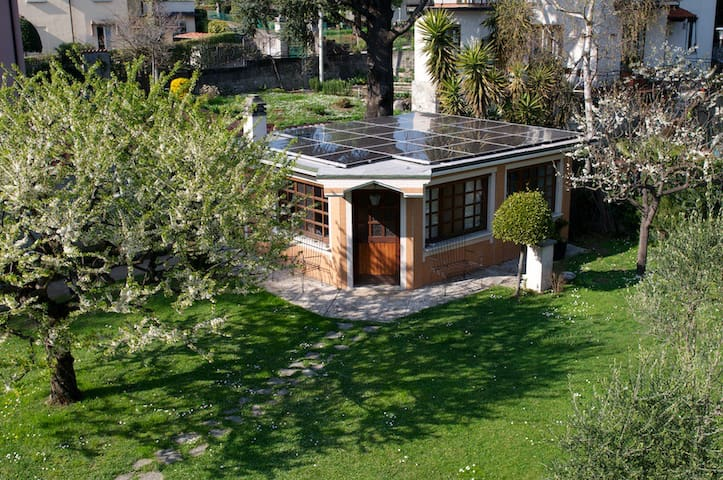Casetta in giardino - Mandello del Lario - Huis