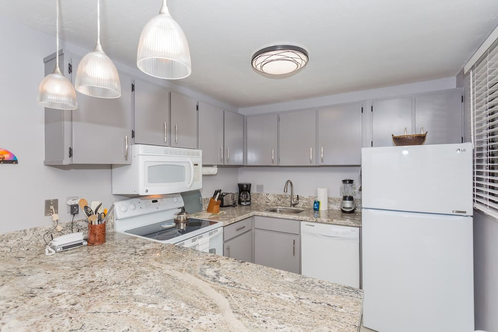 Newly renovated kitchen with granite counter tops & updated appliances!