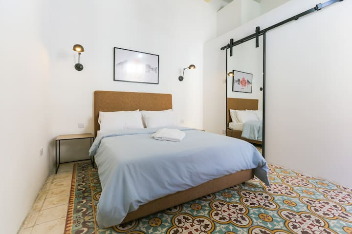 Small Double Room with Street View