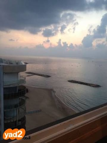 Apt with Mediterranean sea view - Herzliya - Apartamento