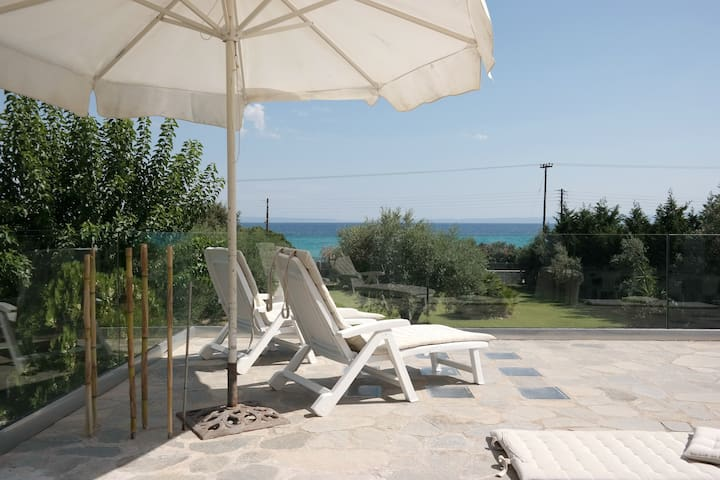"Villa ""Galini"" by the sea with a amazing view. - Polychrono - Talo"