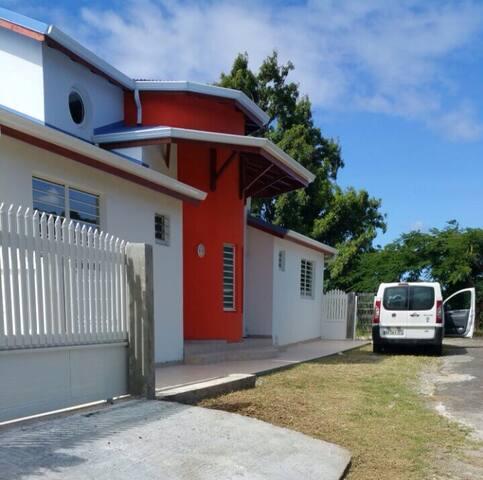 Villa  350m2, vue  mer et montagne360°