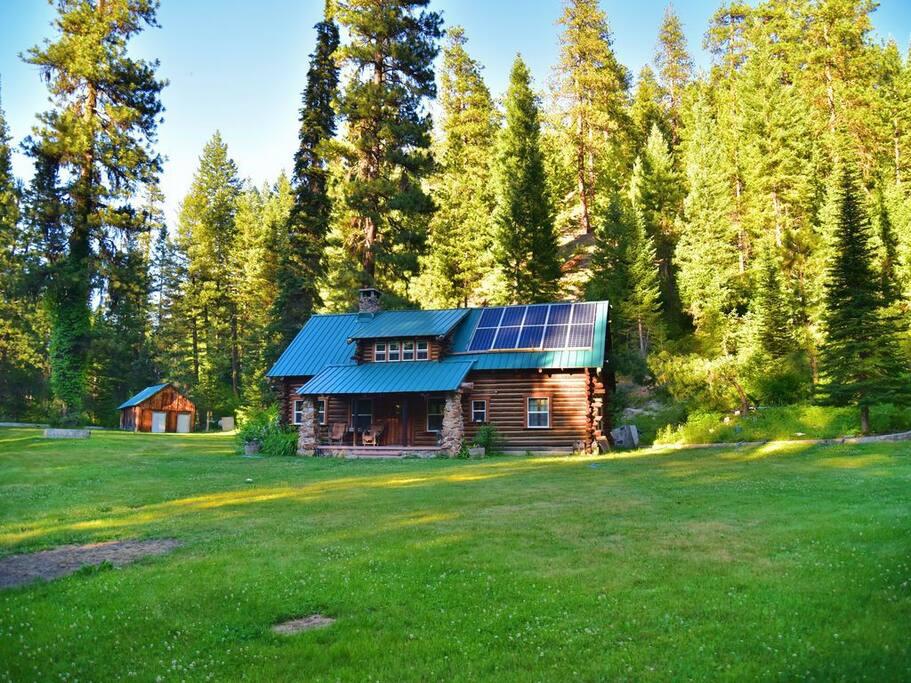 Creekside Log Cabin Cabins For Rent In Idaho City Idaho