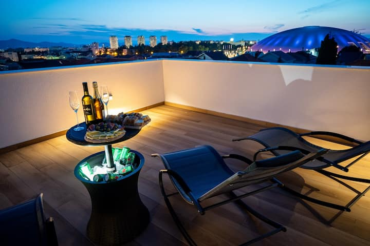 Luxury apartment with sea view rooftop terrace