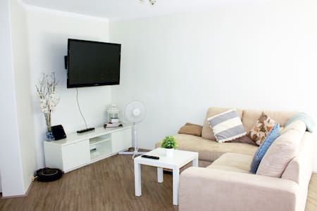 Bright Double Room+Shared Bathroom - Apartament