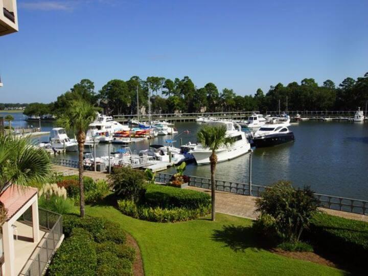 2 BR/3 BA Villa Overlooking Harbor & Marina