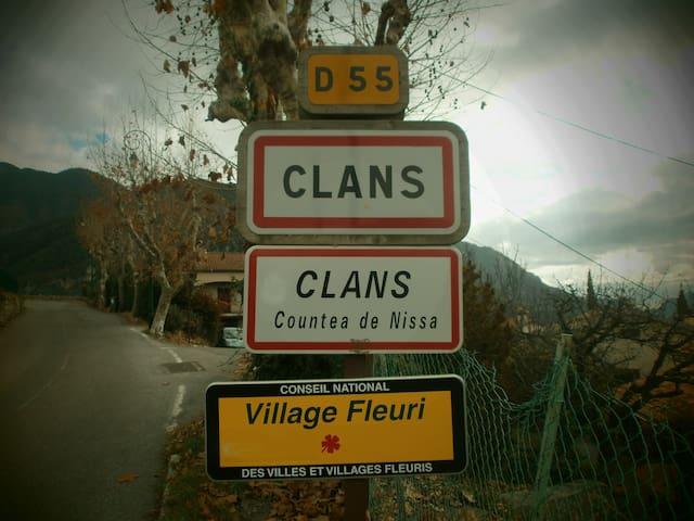 """Ti Coin Trankil"" - Clans - House"