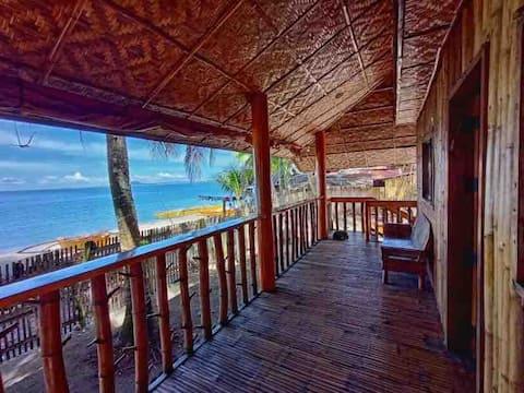 Prisvärt strandhus i bambu