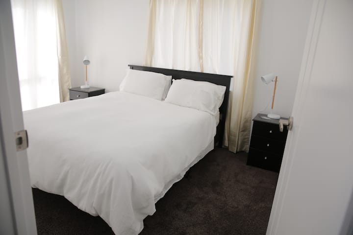 New Built Home, Classy Room #Room2