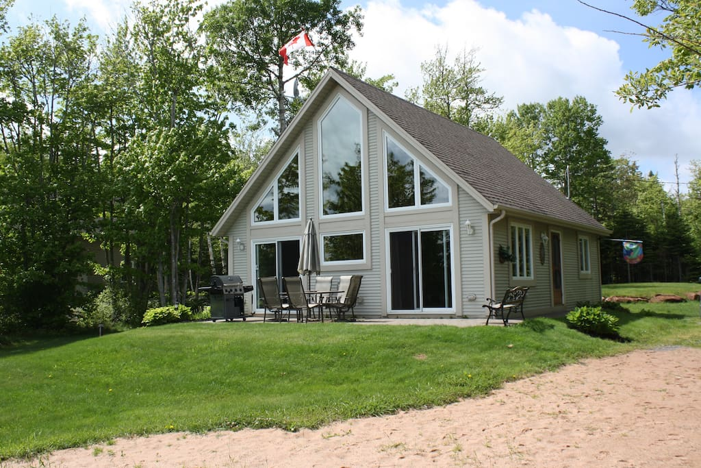 chalet on the lake chalets for rent in vernon bridge prince edward island canada
