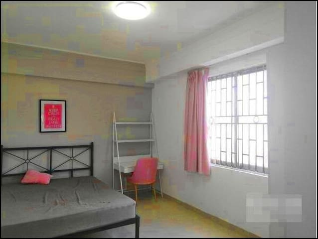 Spacious self-catering apartment (affordable)known