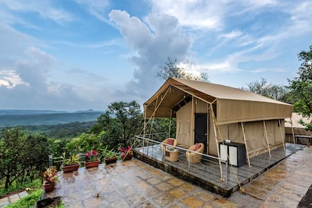 5 Glamping tents with valley view in Lonavala