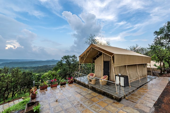 Glamping tent with valley view in Lonavala