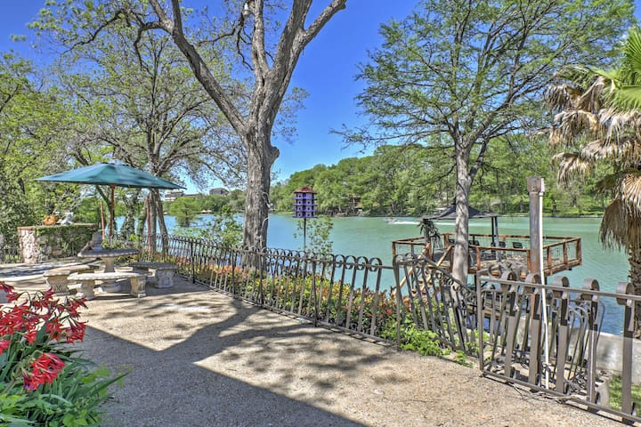 NEW! 3BR Seguin Home on San Marcos River w/ Dock!