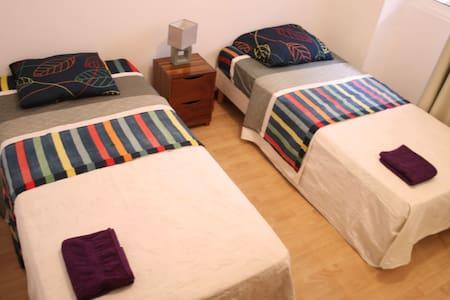 Cozy & Centric Double Room! - Mindelo - Rumah