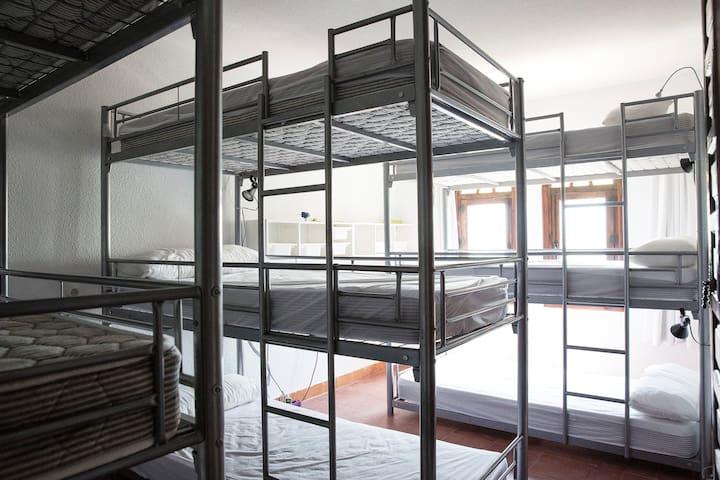 Santa Maria room - 9 beds