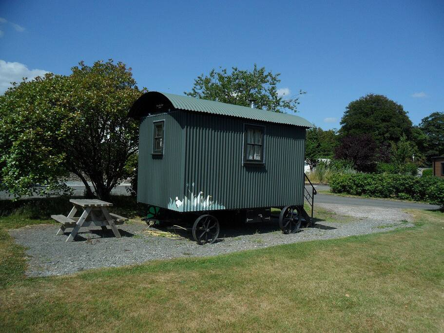 Side view of the Shepherd's Hut