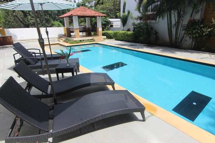 Poolside Cool 3 Bedroom Villa in Anjuna, Goa