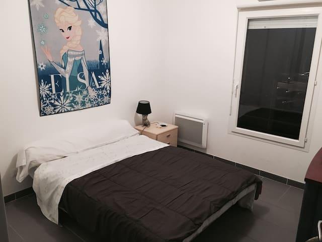 Chambre pour deux personnes - Saint-Martin-de-Crau - Pis