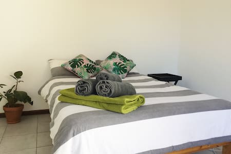 Spacious Room in the Winelands with WiFi - Kapstadt - Haus