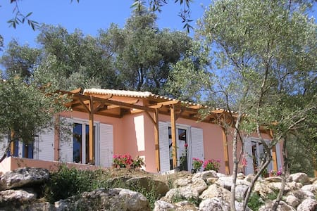 Eco Friendly Rafali House - 2km from AgiosGeorgios - Agios Georgios - Villa