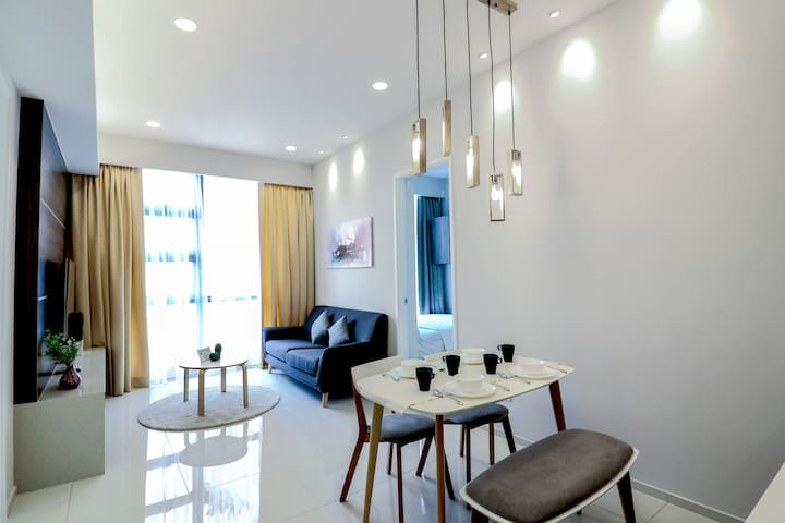 Lovely Home for 7pax near LRT MRT Chinatown