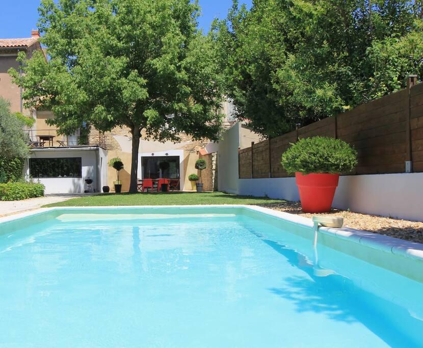 Maison piscine provence avignon maisons louer for Piscine les 2 alpes