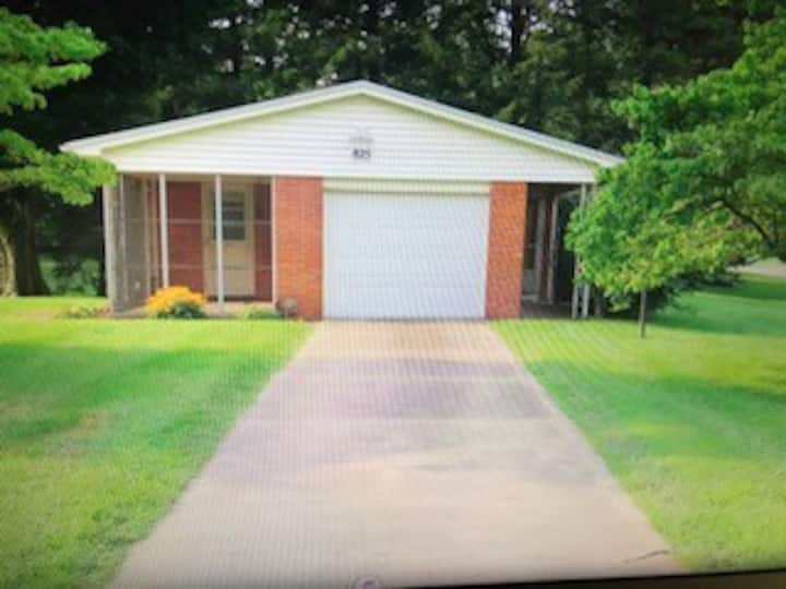 Webster home-quiet, comfortable and convenient.