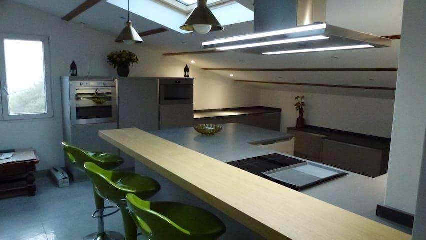 Environs de Nice, bel appartement neuf mansardé - Saint-Blaise - Apartamento