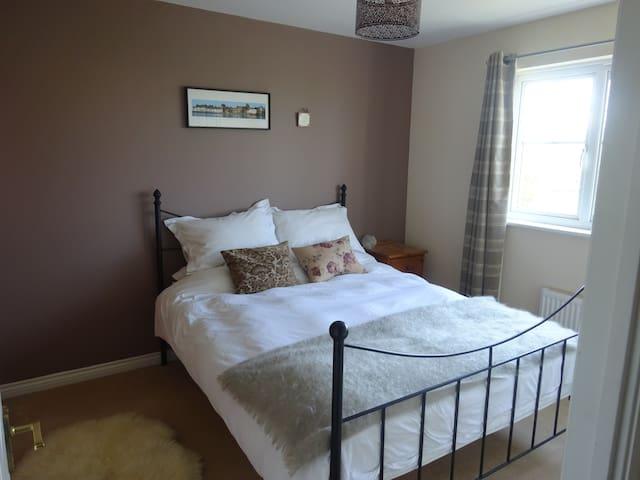 En suite double room in lovely seaside town Dunbar - Dunbar - Hus