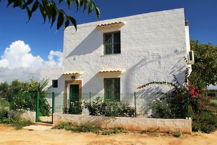 Charming Sicilian Farmers Cottage
