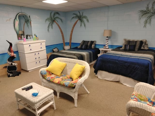 Two Room Get Away! Themed Beach & Drive in Rooms!