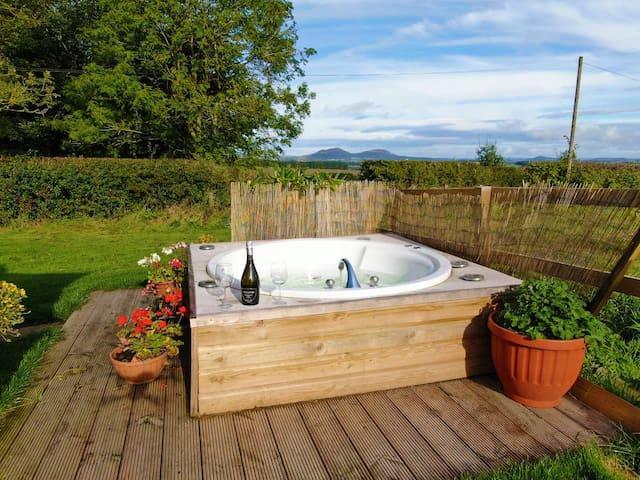 Honeymoon cottage - Spa bath and sauna