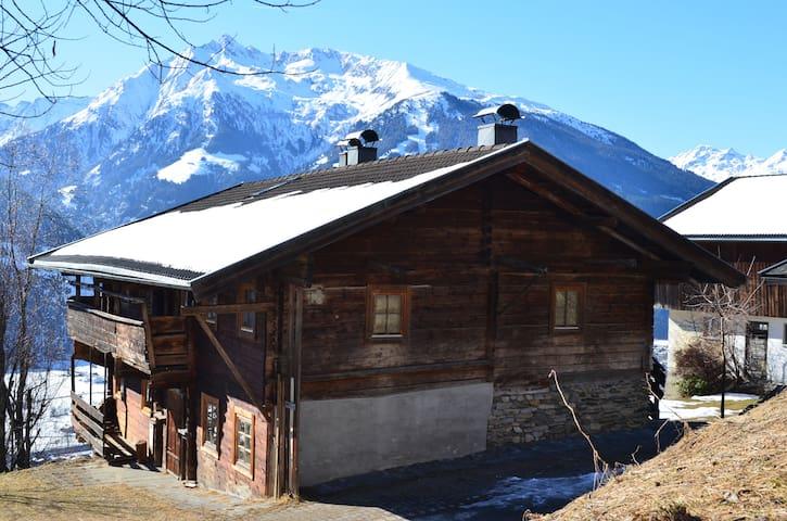 Kitzbüheler Alps: Sunny chalet with mountain view - Stuhlfelden - Chalet