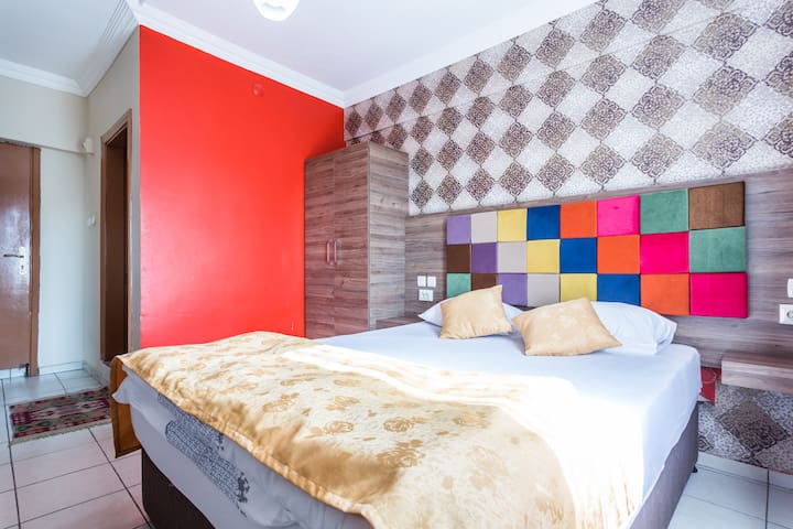 Double Bed Room - B&B, WiFi - Twenty Hotel