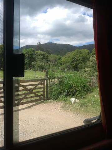 Camper - casita rodante, fija.. en la montaña ! ! - Huerta Grande - Wóz Kempingowy/RV