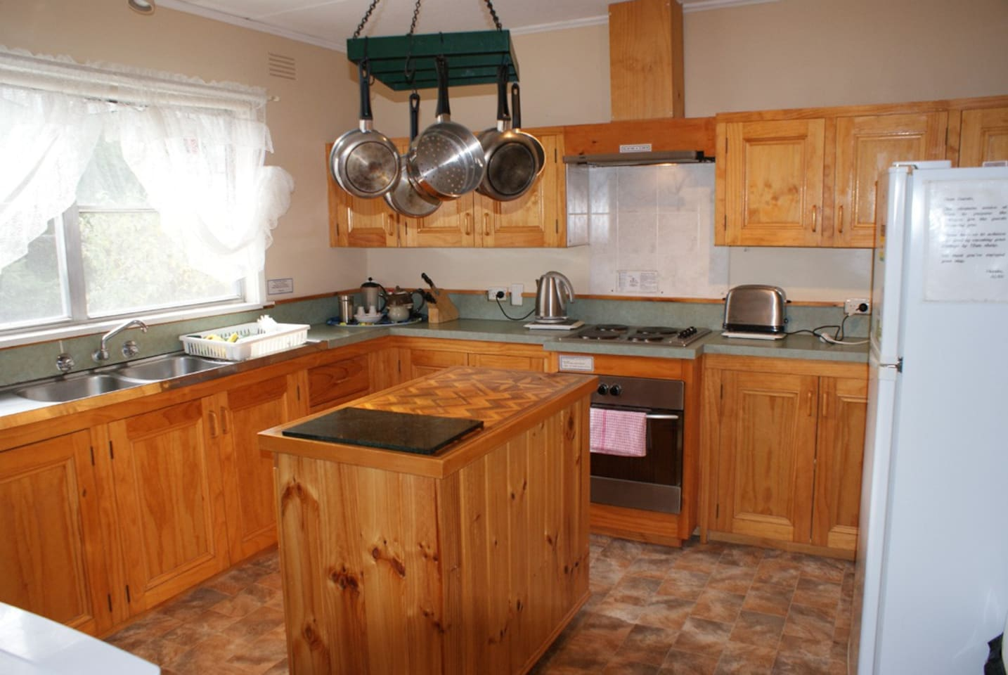 Aaa Granary Accommodation The Last Resort Aaa Granary Rose 4 Bedroom Houses For Rent In Promised Land