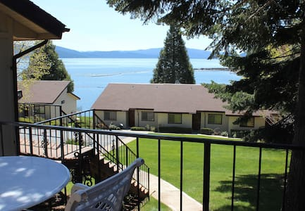 Lakeview Condo, Boat Slip & Beach - Lake Almanor