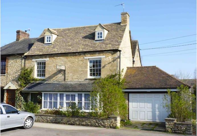 Floré House - Standlake - Casa
