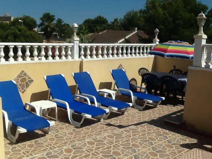 3 Bed Villa only 3 minutes walk to La Zenia Beach