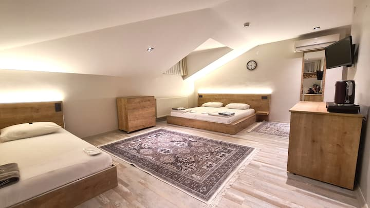 Airbnb House In The Heart of Old City 2nd Floor