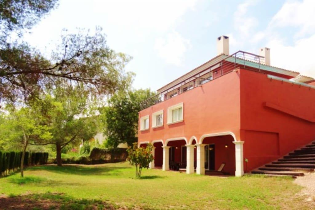 500 m2 villa with 500 m2 private yard