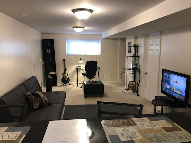 Cozy 1-bed unit between O'hare & Dowtown Chicago