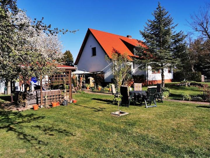 Schöne Ferienwohnung im Raum Cottbus mit Garten