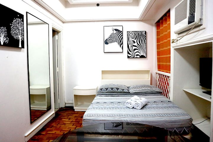 Convenient Studio in Makati with balcony and WIFI