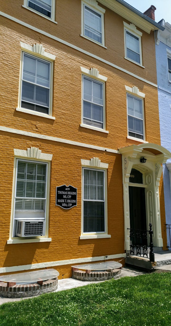Ronns Row House Historical 409 S.Main Street