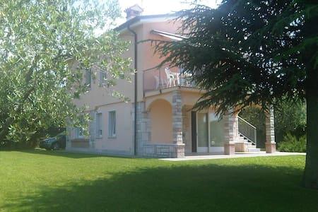 Villa con giardino, piscina e vista - Bardolino