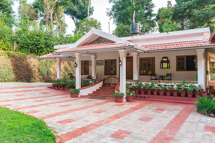 1 Room @ The Cottage in Coorg