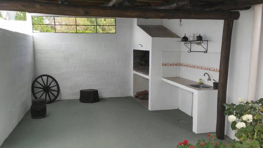 Acojedora casa a 20mts de la rambla - Costa Azul - Haus