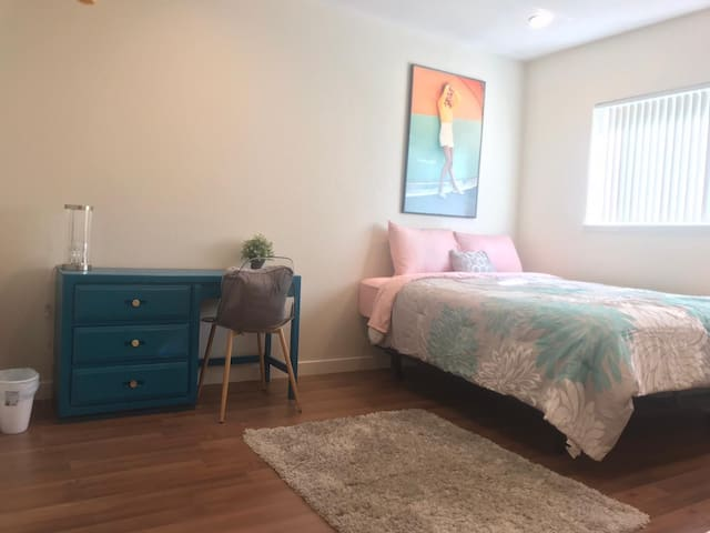 Amazing room in nice location close to downtown